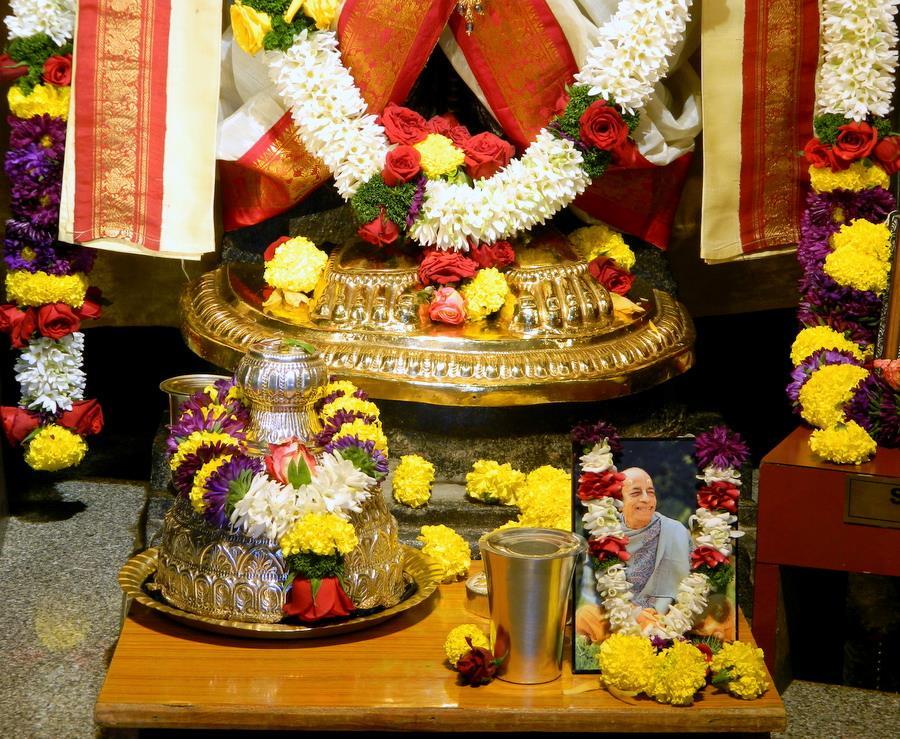 ISKCON Pune NVCC Deity Darshan 10 Jan 2017 (2)