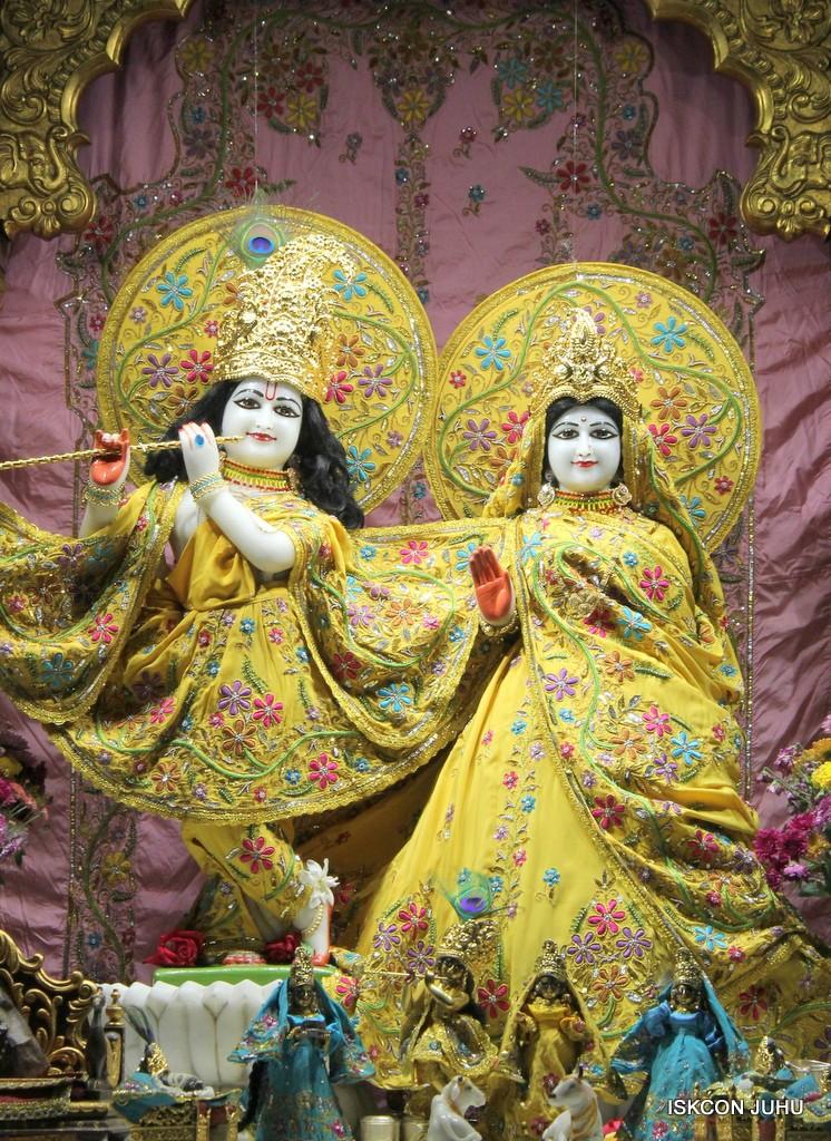 ISKCON Juhu Mangla Deity Darshan 22  Nov 2016 (22)