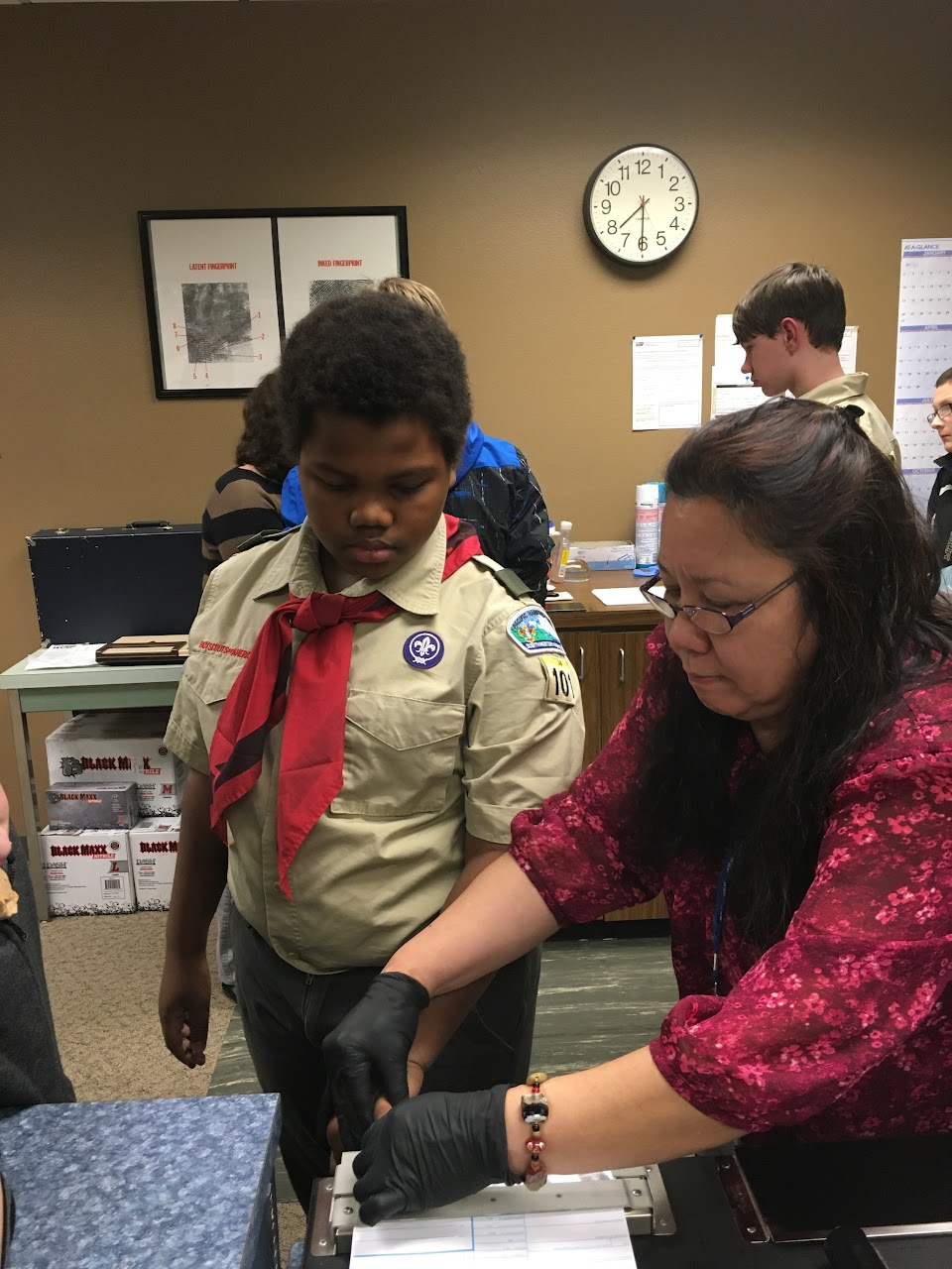Fingerprinting Merit Badge - February 2016 - IMG_0877.JPG
