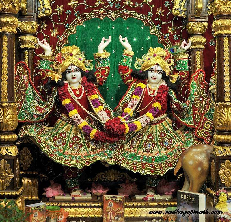 ISKCON Chowpatty Deity Darshan 19 Dec 2015 (8)