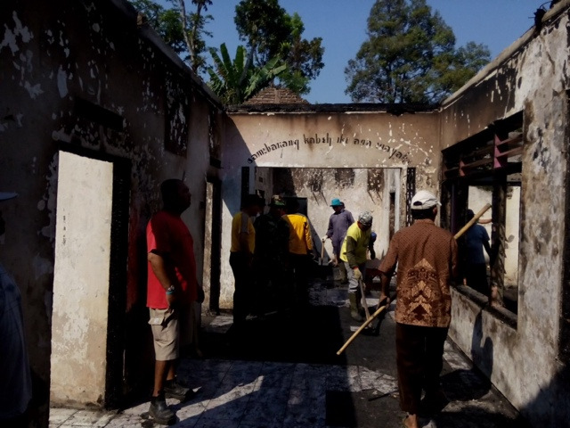 Diduga Konsleting Listrik, Rumah di Wonosalam Ludes Dilalap Api