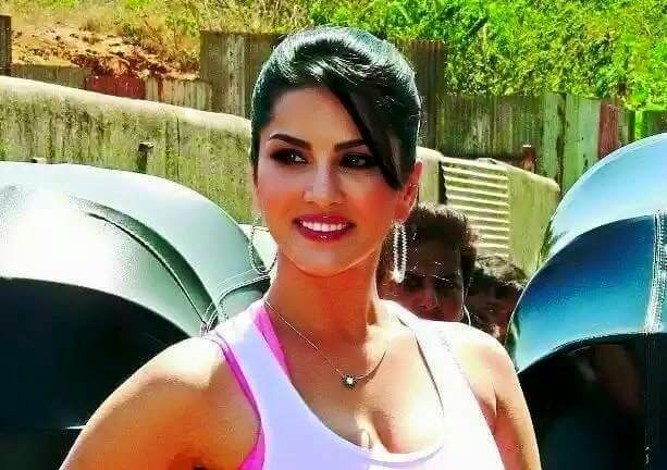 Sunny Leone Natural Beauty Pics For Whatsapp, Facebook