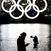 Anéis Olímpicos voltam à Baía de Tóquio após manutenção