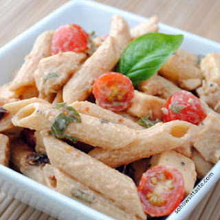 Spicy Pasta Salad with Chicken and Smoked Gouda.