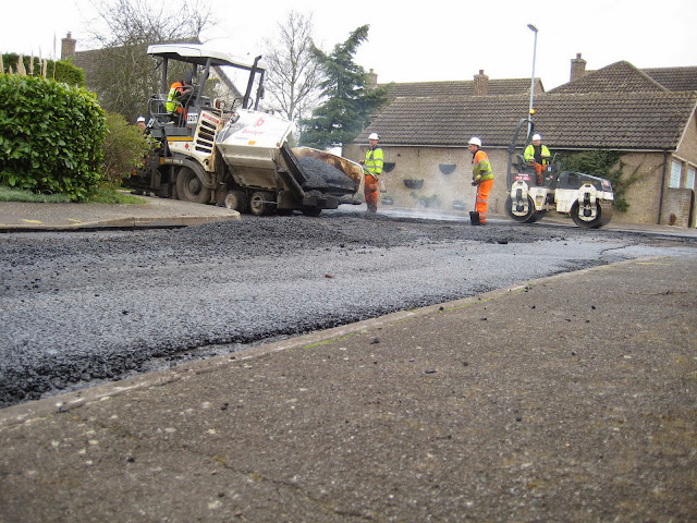 St Johns Close Resurfacing 23-03-2015. Pictures by Chris Cannon - IMG_1083.JPG