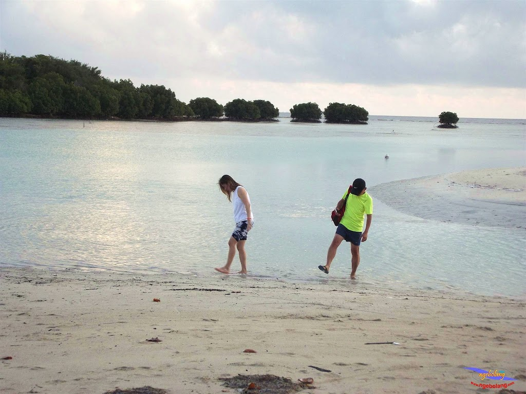 family trip pulau pari 140716 Fuji 131