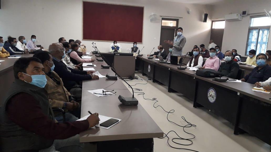सहरसा:जिलाधिकारी ने की पोलियो अभियान और स्वास्थ्य विभाग के कामों की समीक्षा