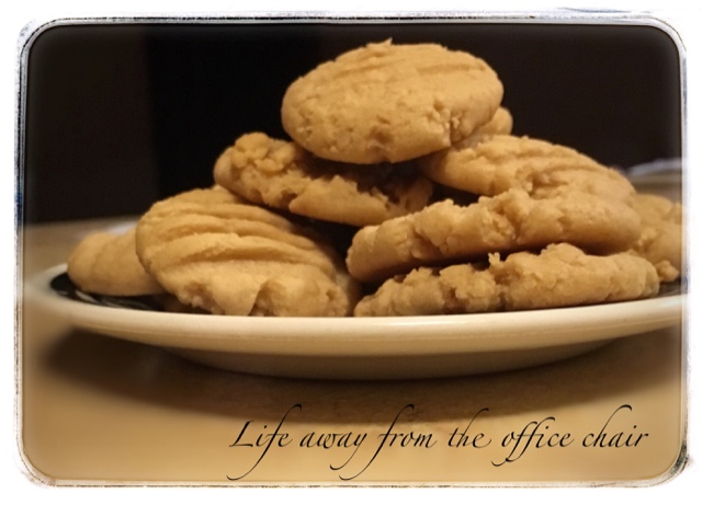 Low Fat Peanut Butter Cookies - Life Away From The Office Chair