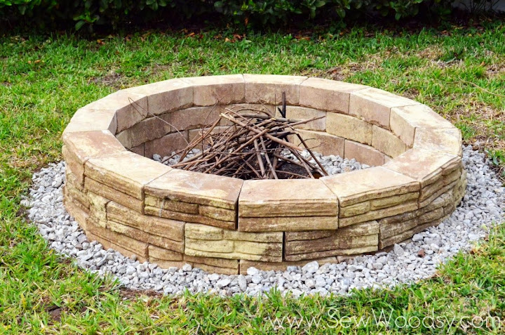 how to build outdoor fire pit via for homes