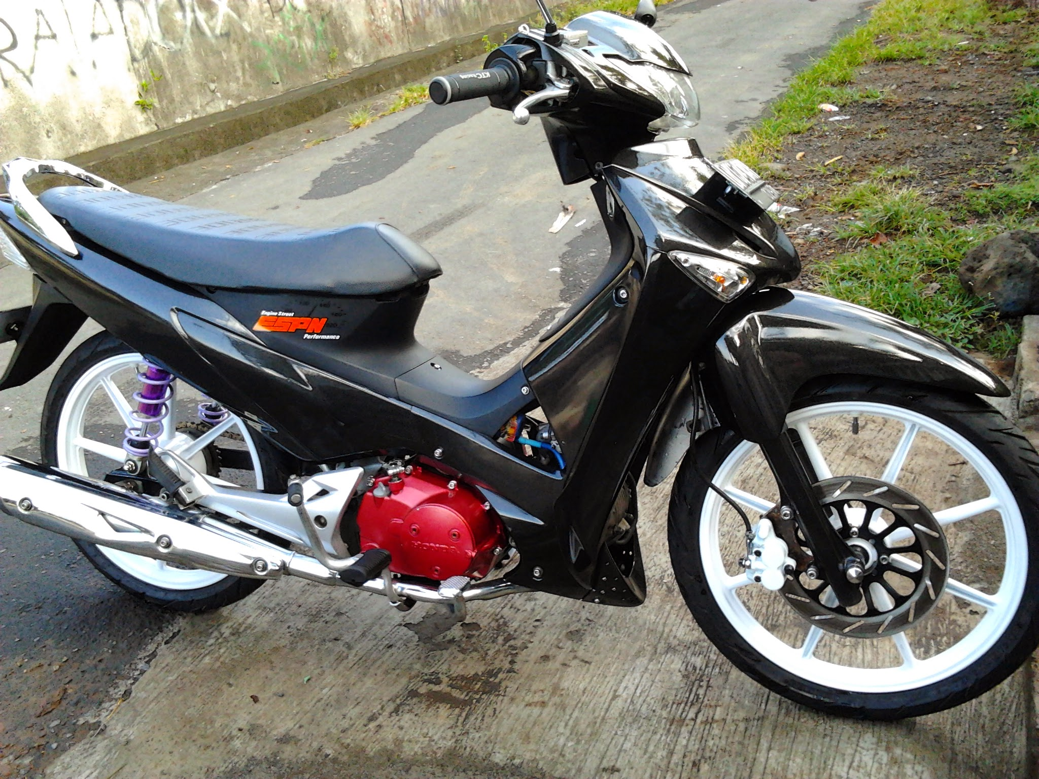Modifikasi Supra X 125 Warna Putih