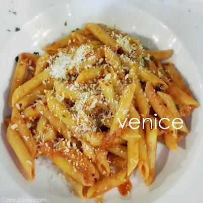 CarouLLou.com Carou LLou in Venice Italy pastas arrabiata aldente +-