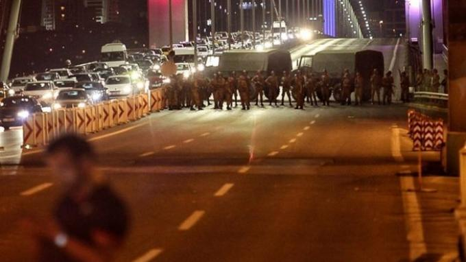 Mengejutkan, Militer Turki Deklarasi Kudeta Ambil Alih Negara