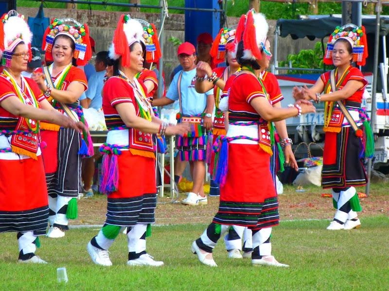 Hualien County. Liku lake. Danses Amis J 2 - liyu%2B2%2B480.JPG