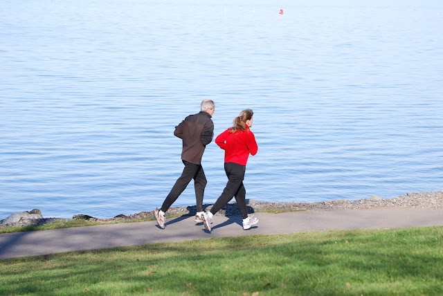 Joggers take advantage of a sunny winter day / Credit: Bellingham Whatcom County Tourism