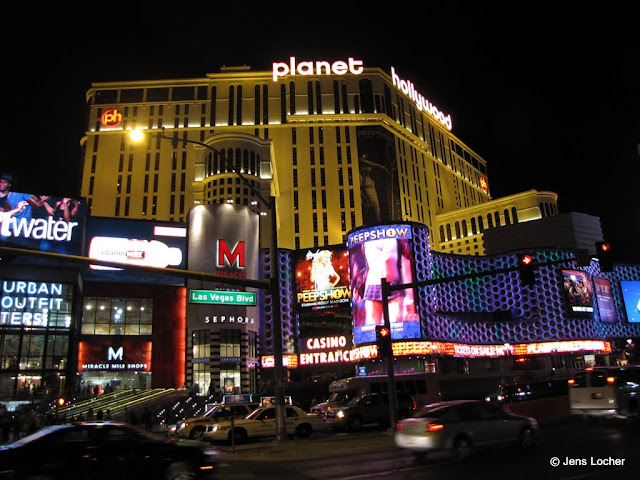 2010 - SX10_1123_Planet_Hollywood.JPG