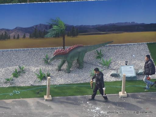 【景點】台中亞洲最大侏儸紀樂園恐龍展@西屯老虎城-捷運BRT秋紅谷 : 從早叫到晚~來自四川自貢的侏儸紀世界? 觀看恐龍請注意...會動的阿!! 區域 台中市 展演空間 捷運周邊 旅行 景點 會展 西屯區