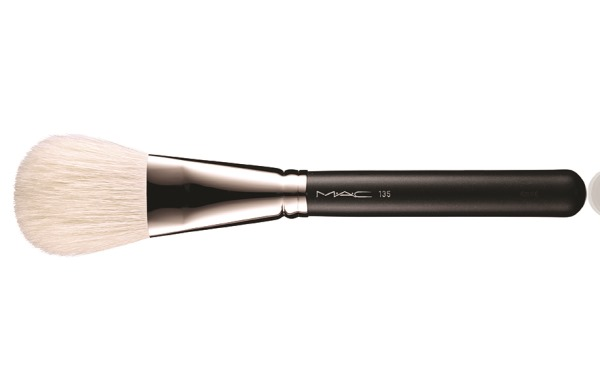 PRO LONGWEAR PRESSED POWDER_BRUSH_BRUSH 135_72