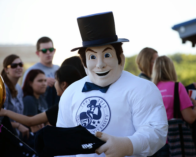 Ichabod mascot smiling
