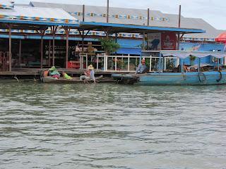 0036Tonle_Sap_Lake_Floating_Village