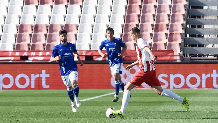 Radosav Petrovic en el encuentro con el Real Oviedo. Entró por Samú Costa.