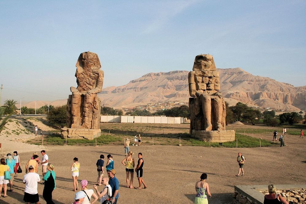 colossi-of-memnon-1