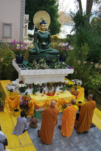 The Jade Buddha for Universal Peace visits Lucerne, Switzerland, November 2011.