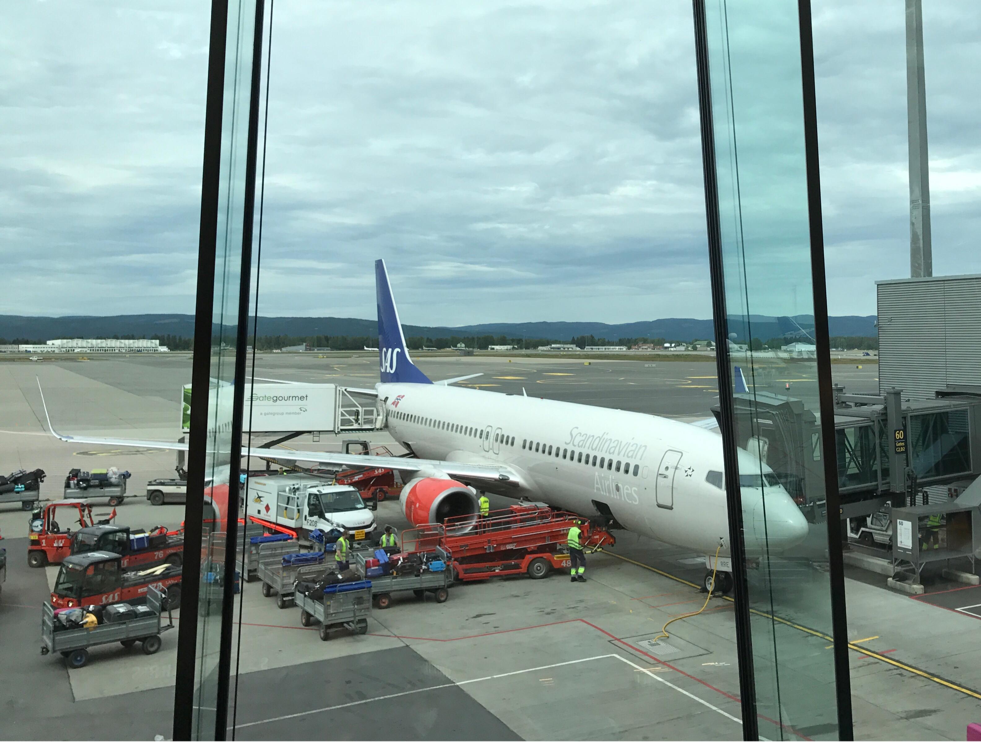SAS-fly på Gardermoen hvor bagasjen lastes ombord
