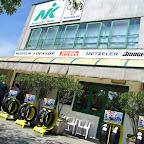La sede di Nik Pneumatici, base della motosgassata