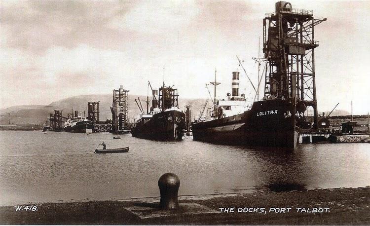 Vapor LOLITA A en los docks de Port Talbot. Colección Chris Kleiss. De la web de Alberto Mantilla Buques.org. Del libro de referencia.jpg