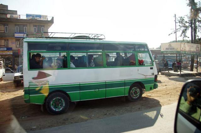 達人帶路-環遊世界-尼泊爾PoonHill健行-當地巴士
