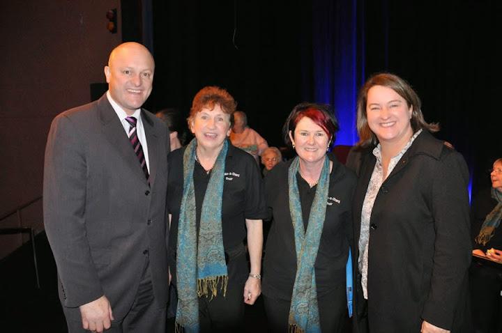 With David Hodgett, Wendy Lyons & Bronwen Jones at a stroke-a-chord choir performance