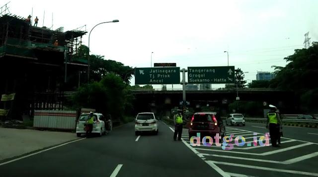 Kolong tol dalam kota cawang-tanjung priok rawan tilang, jangan melanggar