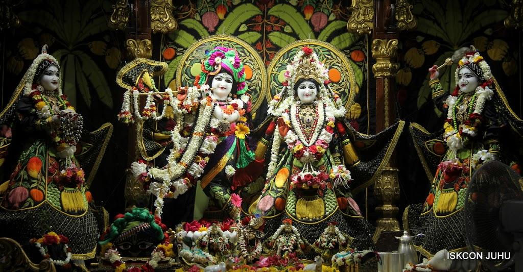 ISKCON Juhu Sringar Deity Darshan on 4th June 2016 (3)