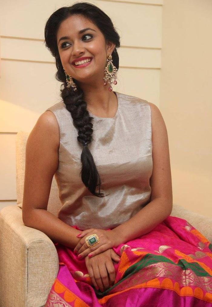 Keerthi suresh in Rajinimurugan Audio launch