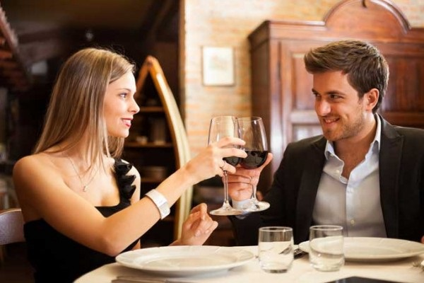 first date at a restaurant with red wine