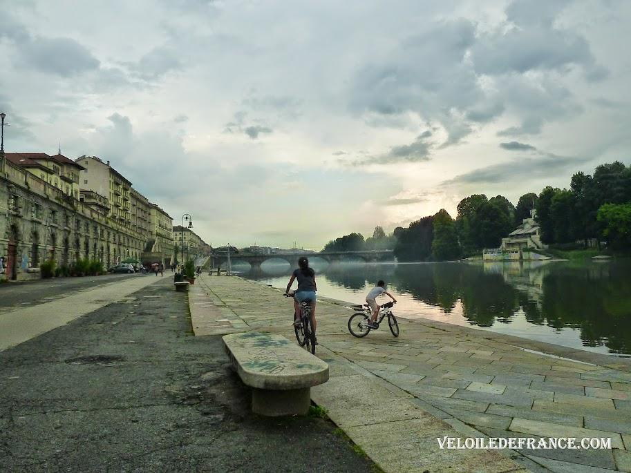 A vélo le long du Pô - Balade à vélo à Turin en Italie par veloiledefrance.com