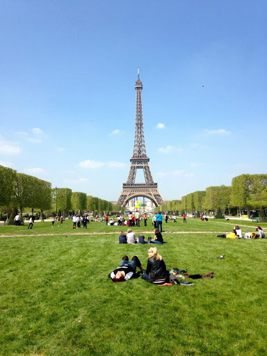Katie Stavros in Paris. #StudyAbroadBecause... it will be the best four months of your life!