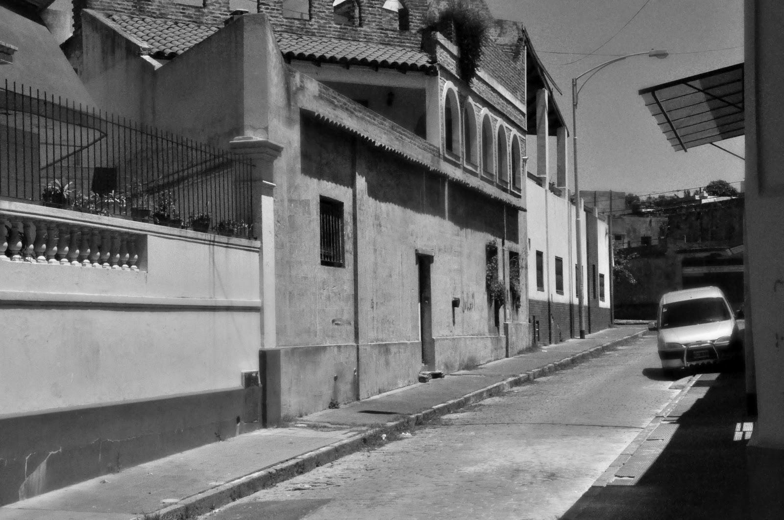 Micaela del barrio 22 de abril tirando goma - 3 6