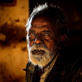 Life on eyes!! by Saravanakumar Thangavelu - People Portraits of Men