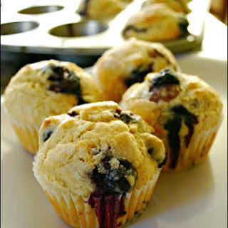 Easy Blueberry Muffins - Food Fun Friday.