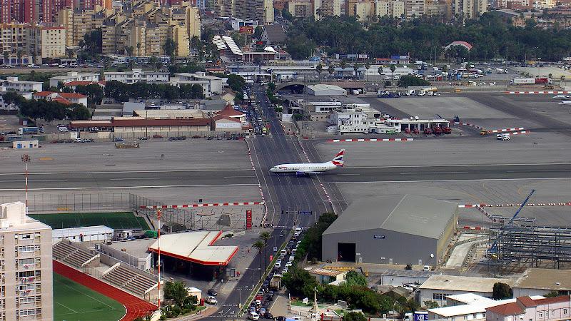 Gilbatar%252520Airport