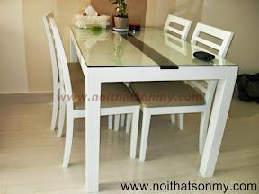 Bộ bàn ghế màu trắng
