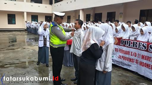 Penyematan PIN dan Deklarasi MRSF SMK Kesehatan Harapan Bunda Cibadak