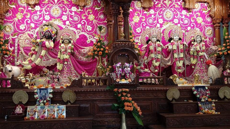 ISKCON Nairobi Deity Darshan 20 Dec 2015 (3)