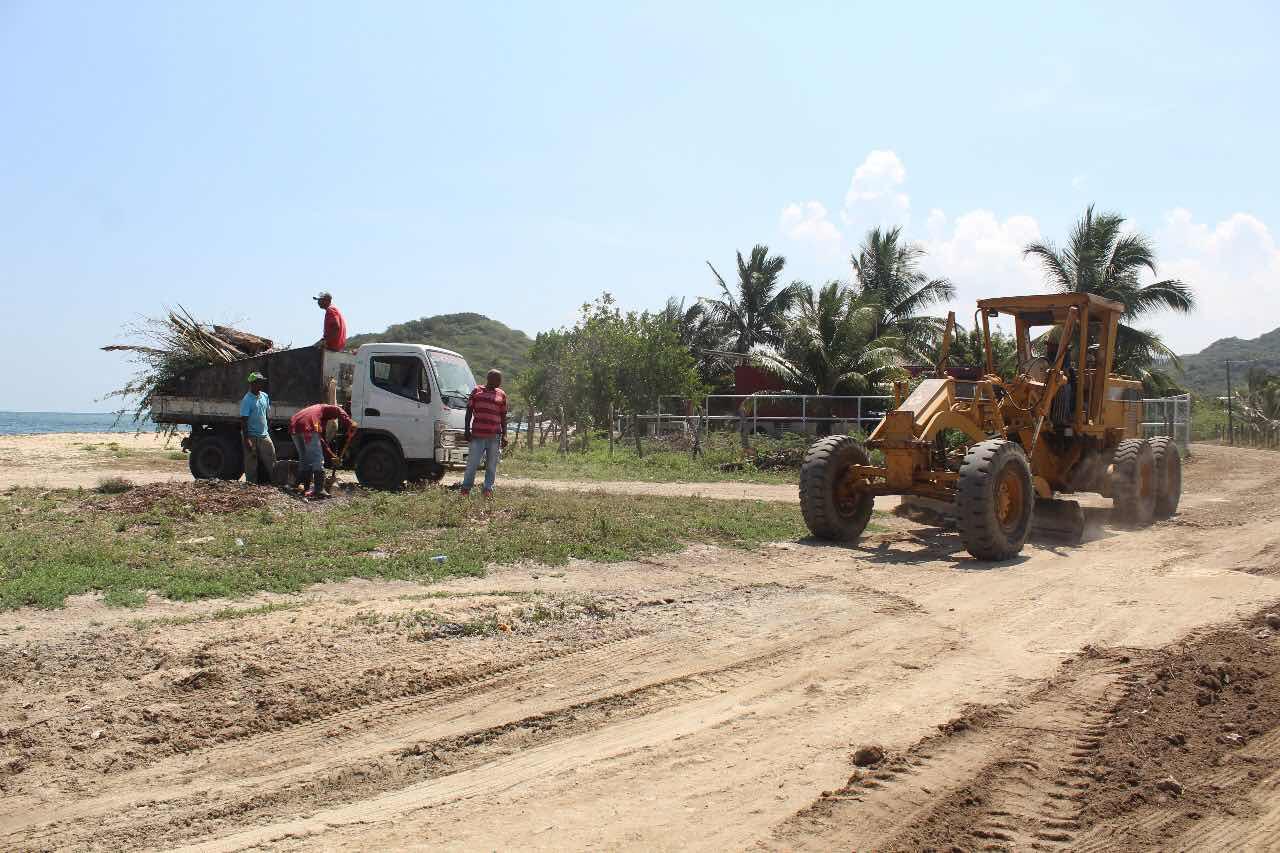 Desarrollo Fronterizo se une a entidades locales de Montecristi para acondicionar playas y áreas de esparcimiento.