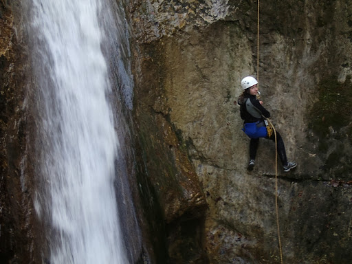 Rappel de 10m, massif du Vercors canyoning au Versoud