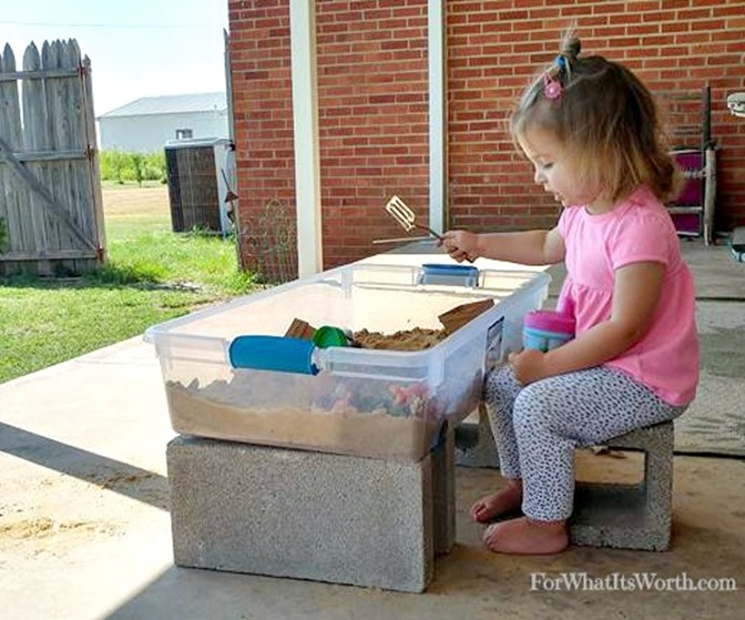 Inexpensive and easy DIY portable sand box