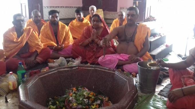 जिले के मोरवा खुदनेश्वर धाम में कोजागरा महोत्सव पर महा अभिषेक