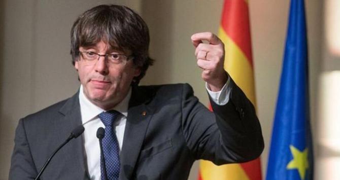 Marruecos concede asilo político a Carles Puigdemont en respuesta a la visita del SG del Frente Polisario a España.