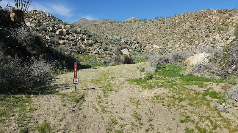Trail-head at Hornblende Canyon - Anza Borrego